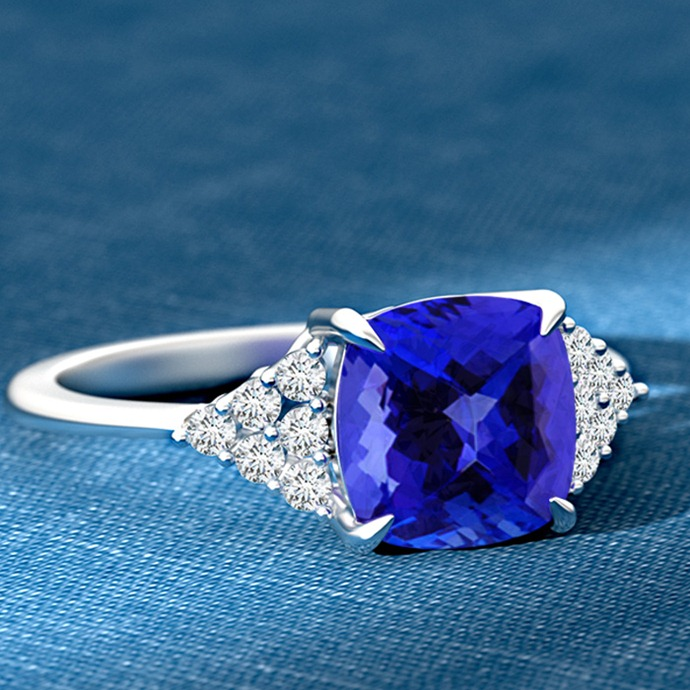 Mistakes-to-Avoid-While-Buying-Gemstone-Jewelry